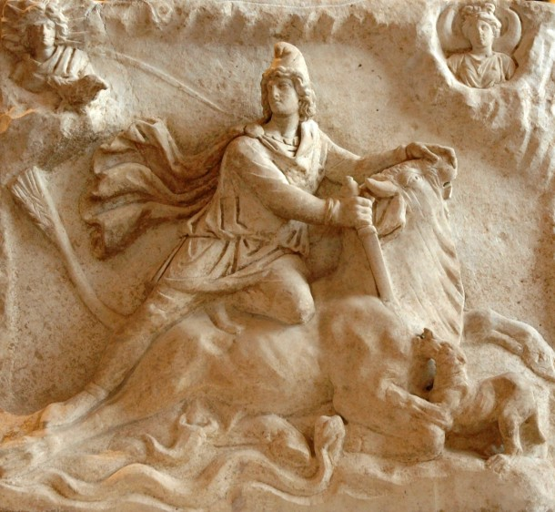 Mithras_tauroctony_Louvre_Ma3441b